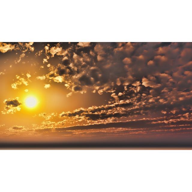 フリーデータ,2D,CG,背景画像,空,雲,夕陽,夕焼け,夕暮れ